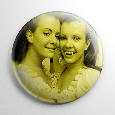 Scream Queens – Twins of Evil Mary & Madeleine Collinson (B) Button